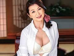 遠田恵未 還暦で再婚したぽっちゃり巨乳おばさん。その理由は美味しそうな連れ子がいたから…