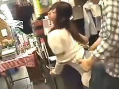 【レイプ】下半身はめっちゃ濡れてる…。花屋の美人店員をバイト中にハメる!