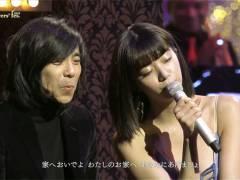 【悲報】池田エライザ、おっぱい半見えのドスケベ衣装で男を誘惑してしまう