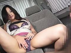 熟女を車内に連れ込みランジェリーを見せてもらう!そのまま自慰行為開始でオナニー鑑賞