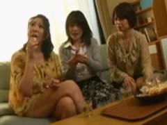 三浦恵理子 庵叶和子 3人の親戚のおばちゃんが甥に実践型性教育で保健体育を指導!