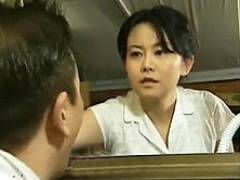 【ヘンリー塚本】夫に先立たれた未亡人が義理の息子の竿でイク! 浅井舞香
