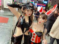 渋谷のハロウィンでエロコスしてる痴女二人と乱行潮吹きセックスって最高だな!