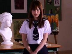 クラスメイトに肉便器として扱われる美少女JKが味方になるはずの教師からも犯される 瑠川リナ