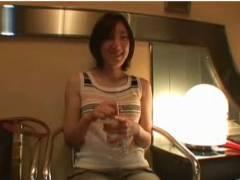 【個人撮影】これは危ない素人の真面目そうなお姉さんを素人ナンパです!ラブホテルでオメコに電気マッサージ器を当ててもう発情が止まりません!