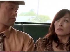 【ヘンリー塚本】不満の奥さまがバス旅行で痴漢とファックする!黒木小夜子(秀吉小夜子)