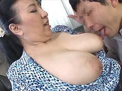 藤木静子 息子に爆乳を揉まれて不覚にも感じてしまった五十路母