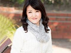 【初撮り熟女】清楚な45歳の貧乳奥様が尻穴をヒクヒク痙攣させてイキまくる! 琴平涼子