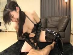 姫川ゆうな 黒ボンテージを着衣した童顔美少女!キスしながら騎乗位挿入で激しく腰振り