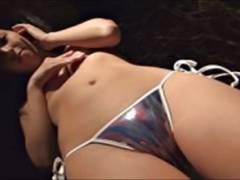 【板野有紀】モコモコパジャマや極小ビキニの美少女アイドルのIV動画