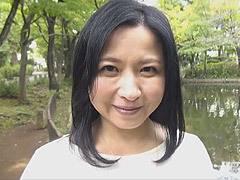 倉本雪音 美しい四十路の巨乳奥さんとセックス付きの浮気デート!