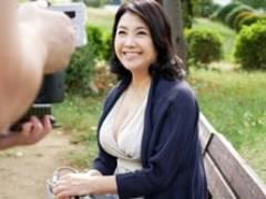 弛んだ完熟ボディの六十路妻がアブノーマルな刺激を求めて再びやってきた 秋吉慶子