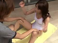 佐藤みき レオタード姿で運動している熟女をお手伝い!興奮して勃起したちんぽをフェラされる