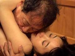 葵千恵 夫よりも年上の男と情次に没頭する熟女