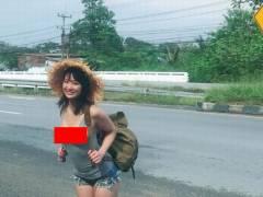 【画像あり】タンクトップとショーパンで旅する女がマジで危険だと話題に。。
