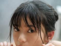 乃木坂46齋藤飛鳥、「ヤンジャン」グラビア登場 温泉ショットでつるつる美肌披露