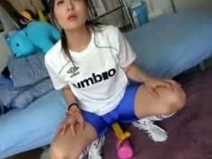 【プライムオナニービデオ】スポーツウェアでカワイイ女子大生がオナニーを披露した後セックスまでしちゃうww