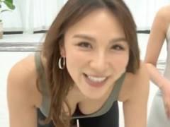 赤松悠実(30)、おっぱいモロ見えヨガ、ピチピチスパッツ尻がエロすぎな件!!