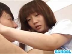 【篠宮ゆり】制服姿の可愛い篠宮ゆりがおしゃぶりで男根を責める動画