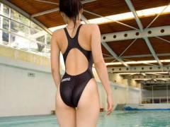 食いこんだ姿が卑猥すぎるスク水・競泳水着女子のエロ画像33枚