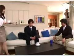 【おっぱい】上原保奈美・これはやばい絶倫な業者の男!自宅で人妻に襲いかかる。