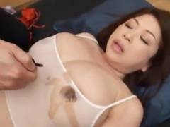 【加山なつこ】 ぽっちゃり爆乳熟女をマッサージついでにハメるエロ動画