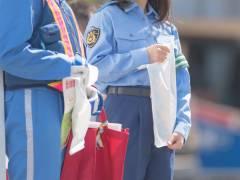 【画像】都内に現れた美少女すぎる警察官に話題沸騰wwwwww