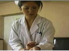 【おっぱい】ヘンリー塚本・とてもエロいドスケベすぎる夜勤の看護婦!患者のチンポコをもう劣情を辛抱できません!