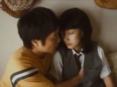 女優・波瑠、同級生男子を手コキをしてしまう…ガチでこんな事をやってるなんて…