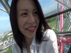 井上綾子 透き通るような美白スレンダー人妻が他人棒求めてシックスナインフェラするAVデビュー