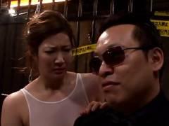 【動画】爆乳熟女がレオタードの上からローションまみれで犯される乱交!