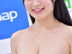 グラドル星名美津紀がソフマップでHカップ癒し乳を見せてたぞ!