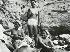 【画像あり】昭和の「海女さん」がお仕事してる写真が発見される。マジかぁwwwwwwwww