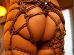 加瀬かなこの股縄緊縛、服従の証 後手合唱