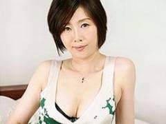 美白&美乳が素敵な46歳の熟女妻が寝バックハメに「あぁぁイイイ〜〜っ!」 竹内梨恵
