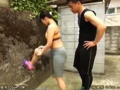 【戸田真琴】コーチと練習中の美人アスリート!
