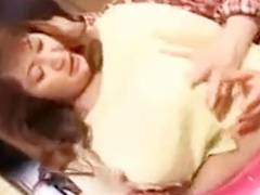 ぽちゃぽちゃ巨乳お母さんにたまらなく台所で抱きつきおっぱいやマンコを弄りまくる息子