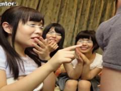 宮崎あや 七瀬ひとみ お嬢様女子大生と王様ゲームでパンツ脱がされ手コキフェラされる