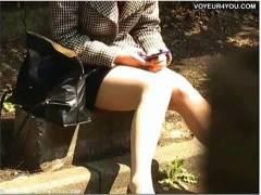 【パンチラ】タイトスカートのOLのお姉さん!