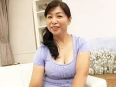 結婚生活25年のむっちむち五十路妻が女の悦びを求めてAV出演! 田村みゆき