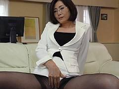 竹内梨恵 性感クリニック メガネを掛けた美乳の熟女SEXカウンセラーがオナニーで男を魅了