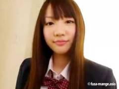 【鈴木心春/口リ系18歳】無毛肉厚ツルマンから噴射されるスプラッシュセックス!