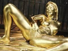 【AIKA】 スレンダーパイパン黒ギャルが金粉まみれになりながらセックス! 黄金に輝く身体が妙にエロい!!! 【tube8】
