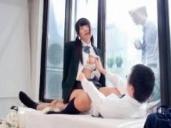 あず希 黒髪ツインテールの美少女JKと童貞男子をモニタリング!筆おろしセックスでザーメンを中出し!