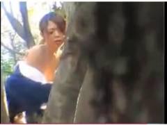 【青姦+美女+盗撮】本当にすごいドスケベすぎる野外プレイ!バカップルが立ちバックしてました【公園】