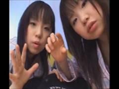 黒髪ぱっつんの童顔美少女からのご奉仕ハーレムフェラチオ!