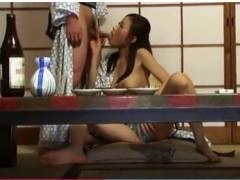 【高嶋ゆいか】出張先の旅館で先輩OLにフェラチオしてもらいました!