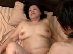 富岡亜澄、57歳Gカップ爆乳熟女が息子と中出しセックス!
