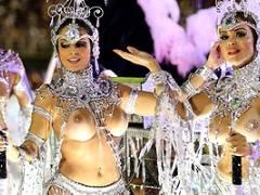 【厳選エロ画像103枚】ブラジルリオのサンバカーニバルておっぱいも乳首もアソコも丸出しで全員露出狂な件【保存版】