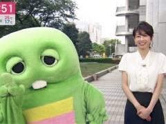 加藤綾子アナ、キャミが透けてしまう。